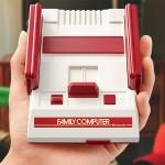 ファミコンミニのコントローラーが小さすぎ?持ち辛さを検証してみた!